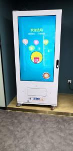China Double Layer Glass Credit Card Vending Machine For sale , Card Swipe Vending Machine For Cola on sale