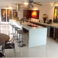 Cheap White Artificial Quartz Stone Kitchen Countertops And Island Customized for sale