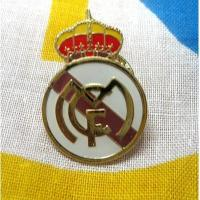 China Custom sports logo embroidered football team badges with silk screen Process on sale