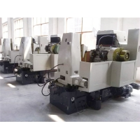 China Lower Price Cnc Gear Cutting Hobbing Machine Manufacturers To Make Spur/Straight/Worm/Sprocket Chain Gear on sale