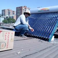 Quality 300liter heat pipe pressurized solar water heater wholesale