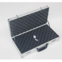 China Aluminum Silver Triple Handgun Case and Pistol Case for Carrying Guns on sale