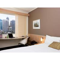 China Budget hotel laminate fixture for king size bed with Wardrobe closet and Cupboard cabinets on sale