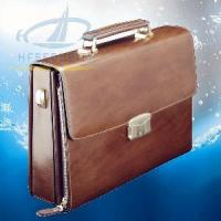 Cheap Italian Men′s Leather Briefcase with Fingerprint Lock (HF-FC01) for sale