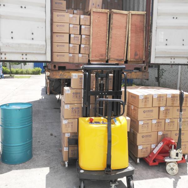Half Electric Forklift 003.jpg