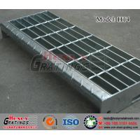 China HT4 Steel Grating Stair Tread with Nosing Plate on sale