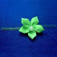 China 3cm Ribbon Daisy with One Large Bead and 3-inch Transparent Ties on sale