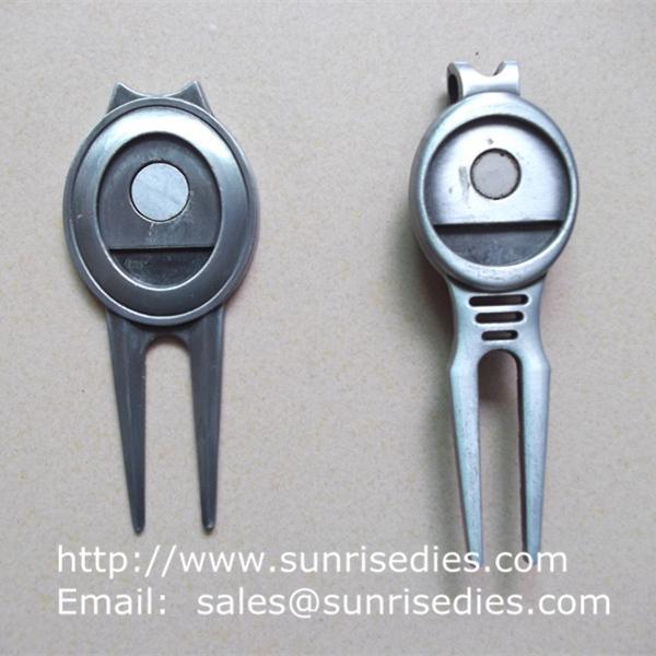 Metal Golf Divot tools for repairing pitch mark