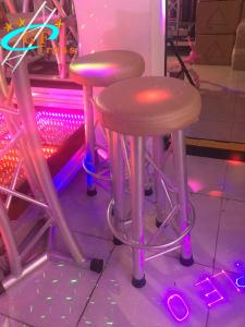 China Modern Club 1.2m Aluminum Bar Table And Chair on sale