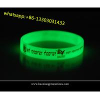 Cheap high quality customized silicone wristbands for events glow in dark for sale
