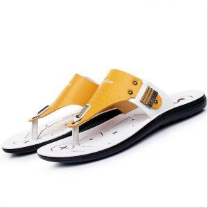 China Handmade Mens Leather Slipper Shoes , Round Toe Mens Beach Flip Flops on sale