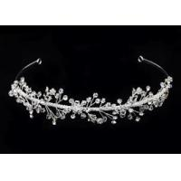 China Bridal Tiaras And Crowns made by hand and with small crystal silver plating for women on sale