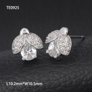 Cheap OLF Wholesale Shiny Korea Cute Girl 925 Sterling Silver Zirconia Beatles Stud  Earring for sale