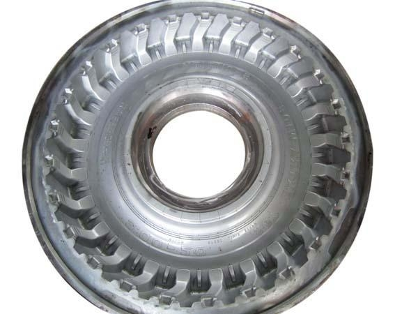 China Truck tire mold