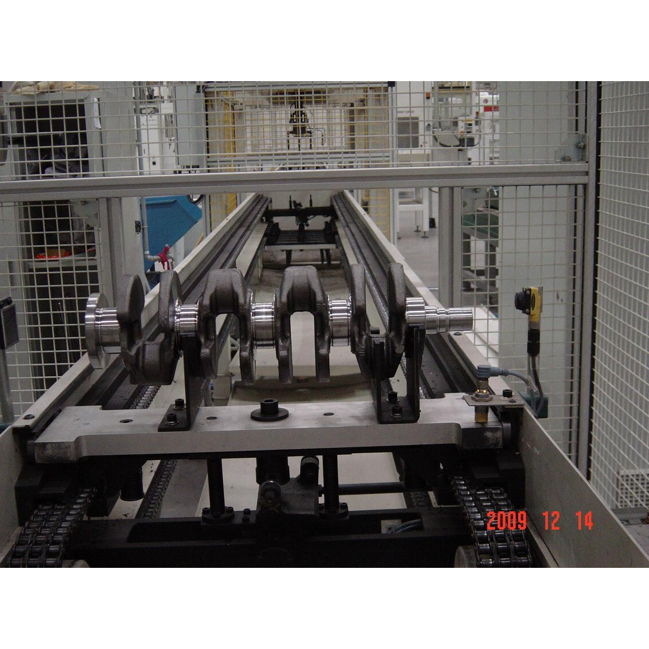 Power&free chain conveyor