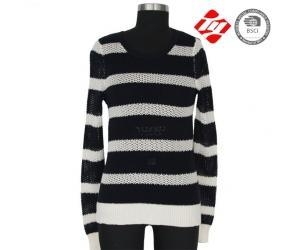 China Ladies knitted sweater with hole and stripe pattern