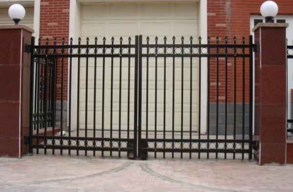 Xcel custom metal sliding driveway fence gates of ym3158 for Aluminum driveway gates prices