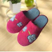 Buy cheap OEM flange super warm outdoor flat woman slipper from wholesalers