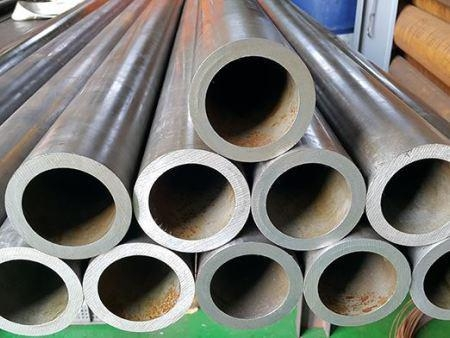 China Casing Pipe Alloy Tube/Linepipe