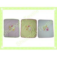 Cheap 100% Bamboo Fiber Pure Color Flower Embroidery Square Baby Bib SF-431 for sale